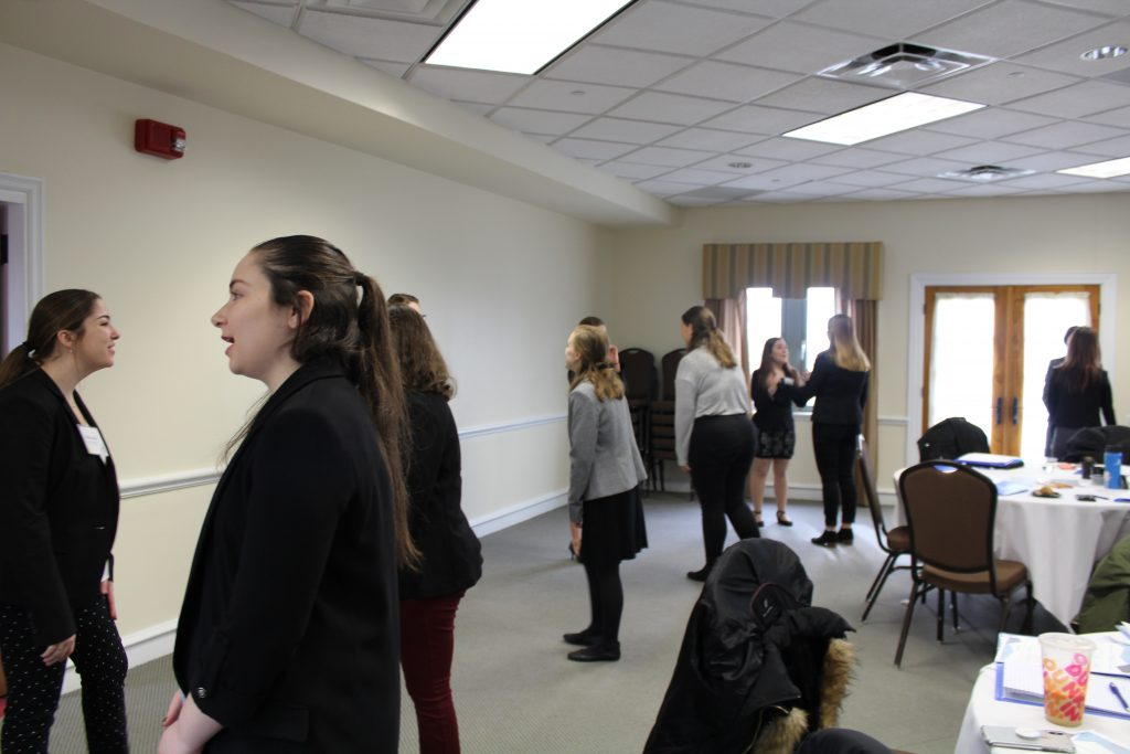 Students practice 30 second elevator pitches